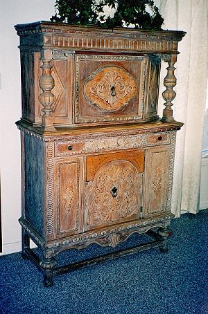 Early 20th century oak cabinet (c) JAT